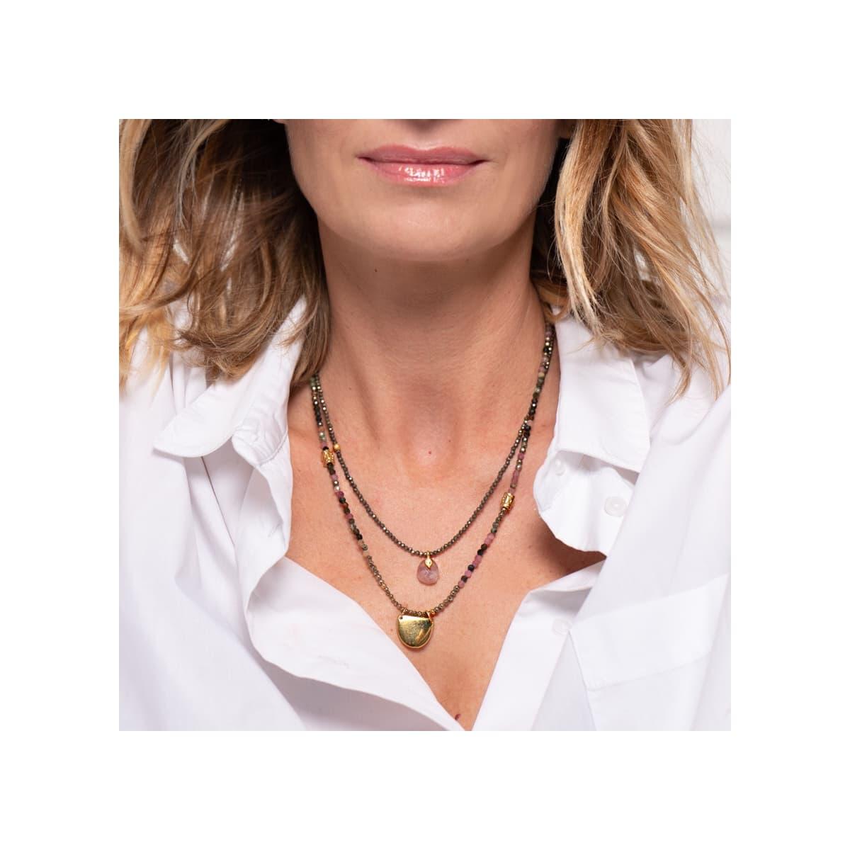 """collier femme  Alma """"demi lune"""" porté"""
