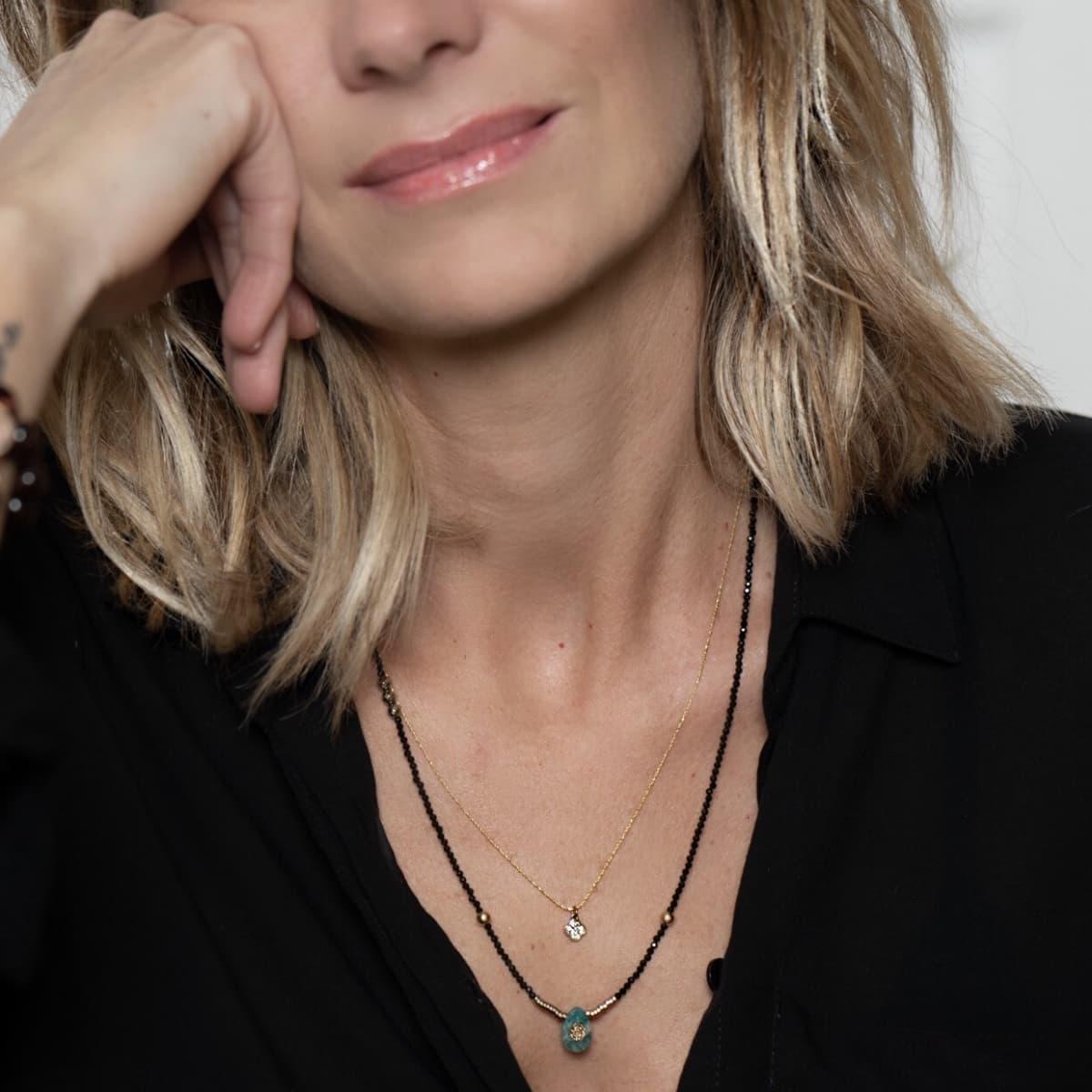 collier femme  Adèle Trèfle porté